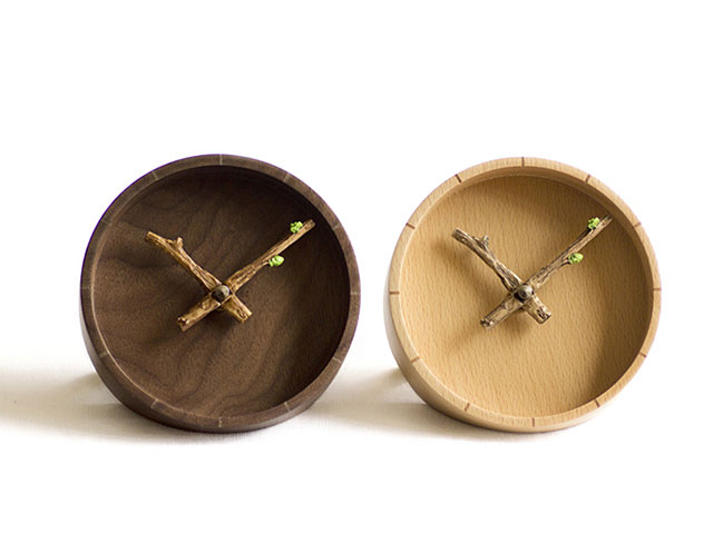 Bud Wooden Desk Clock